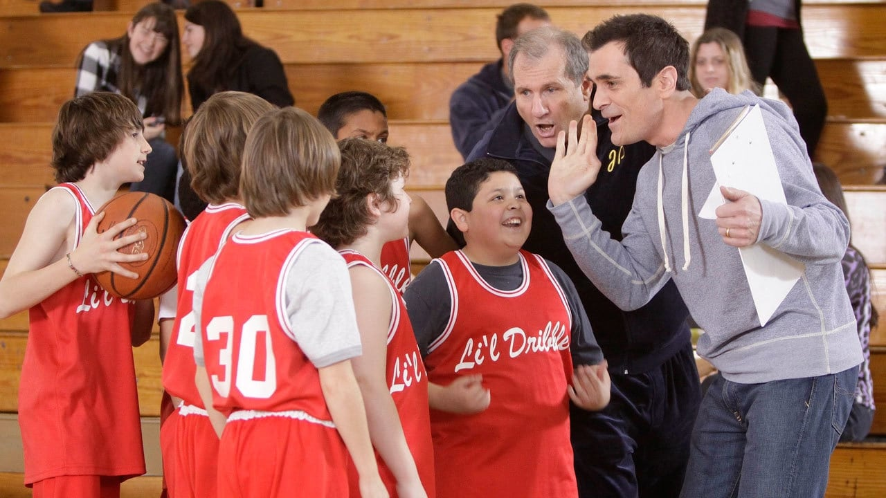 Modern Family Season 1 :Episode 20  Benched