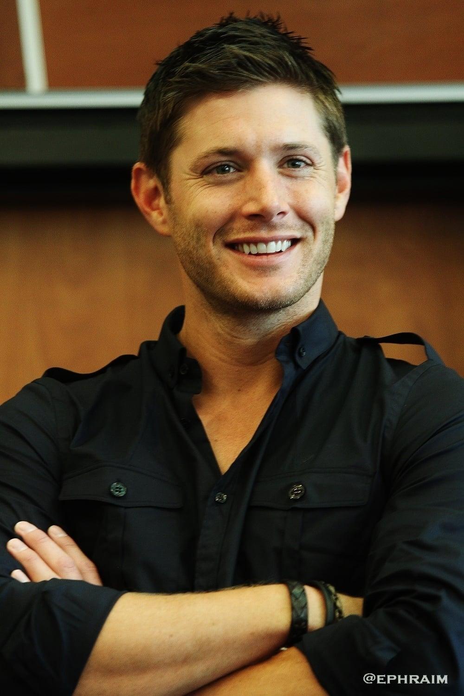Jensen Ackles Biograph...