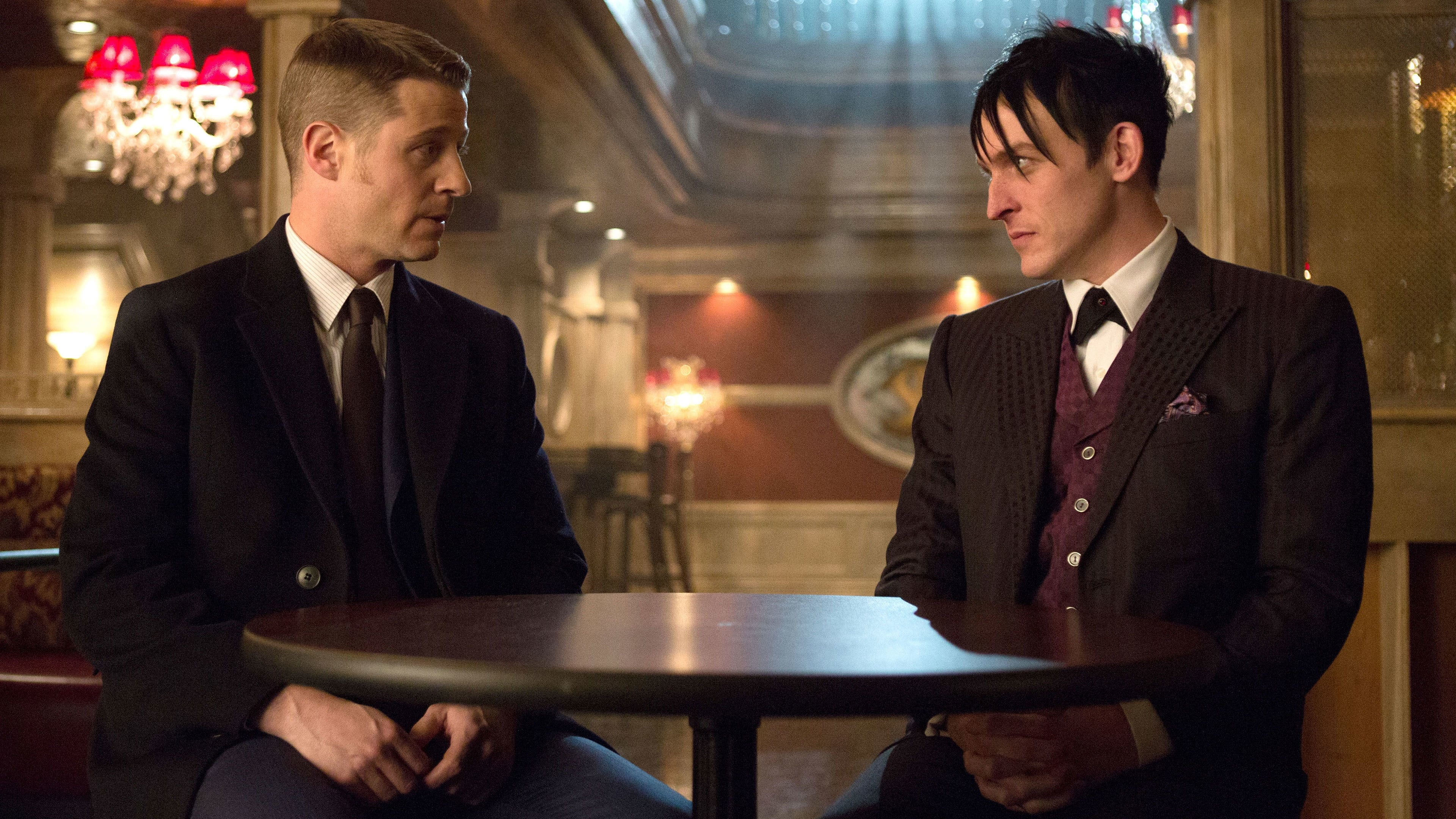 Gotham Season 1 :Episode 13  Welcome Back, Jim Gordon