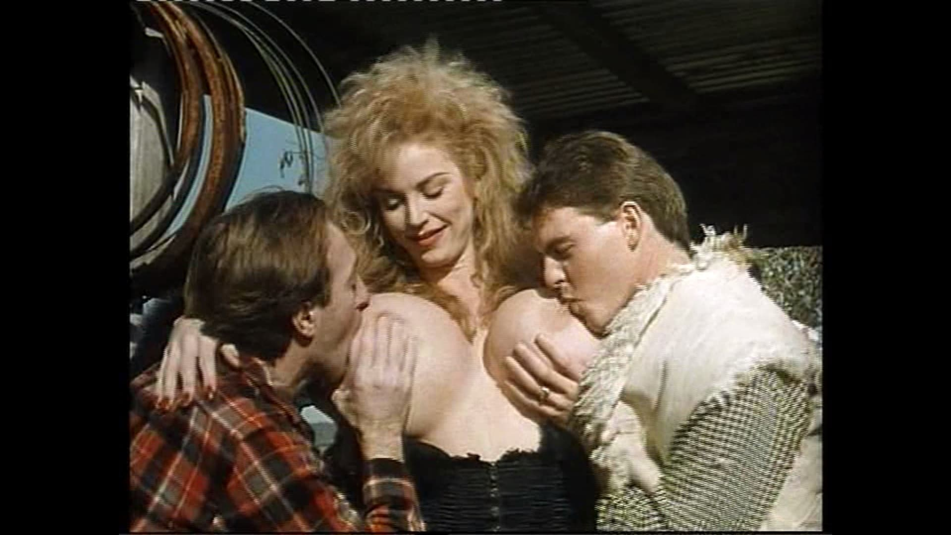 film-onlayn-erotika-krasnaya-shapochka