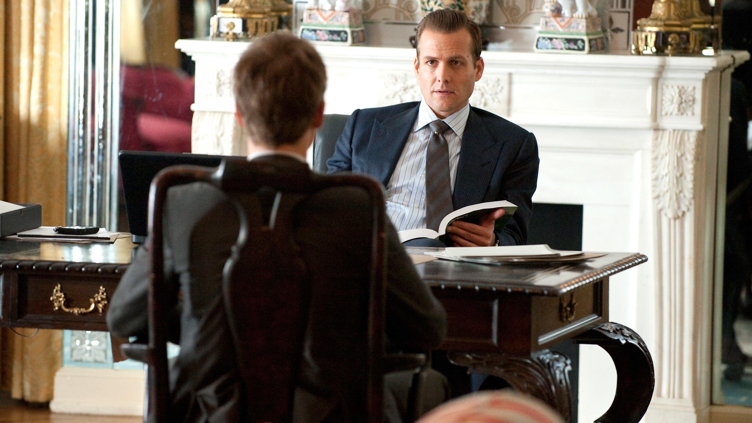 Suits - Season 1 Episode 1 : Pilot