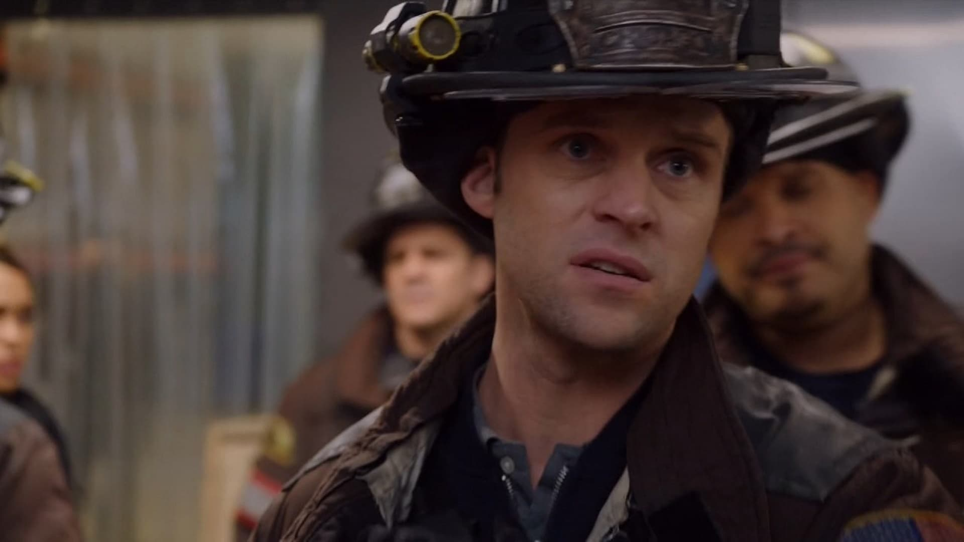 Chicago Fire Season 5 :Episode 18  Regelverstoß