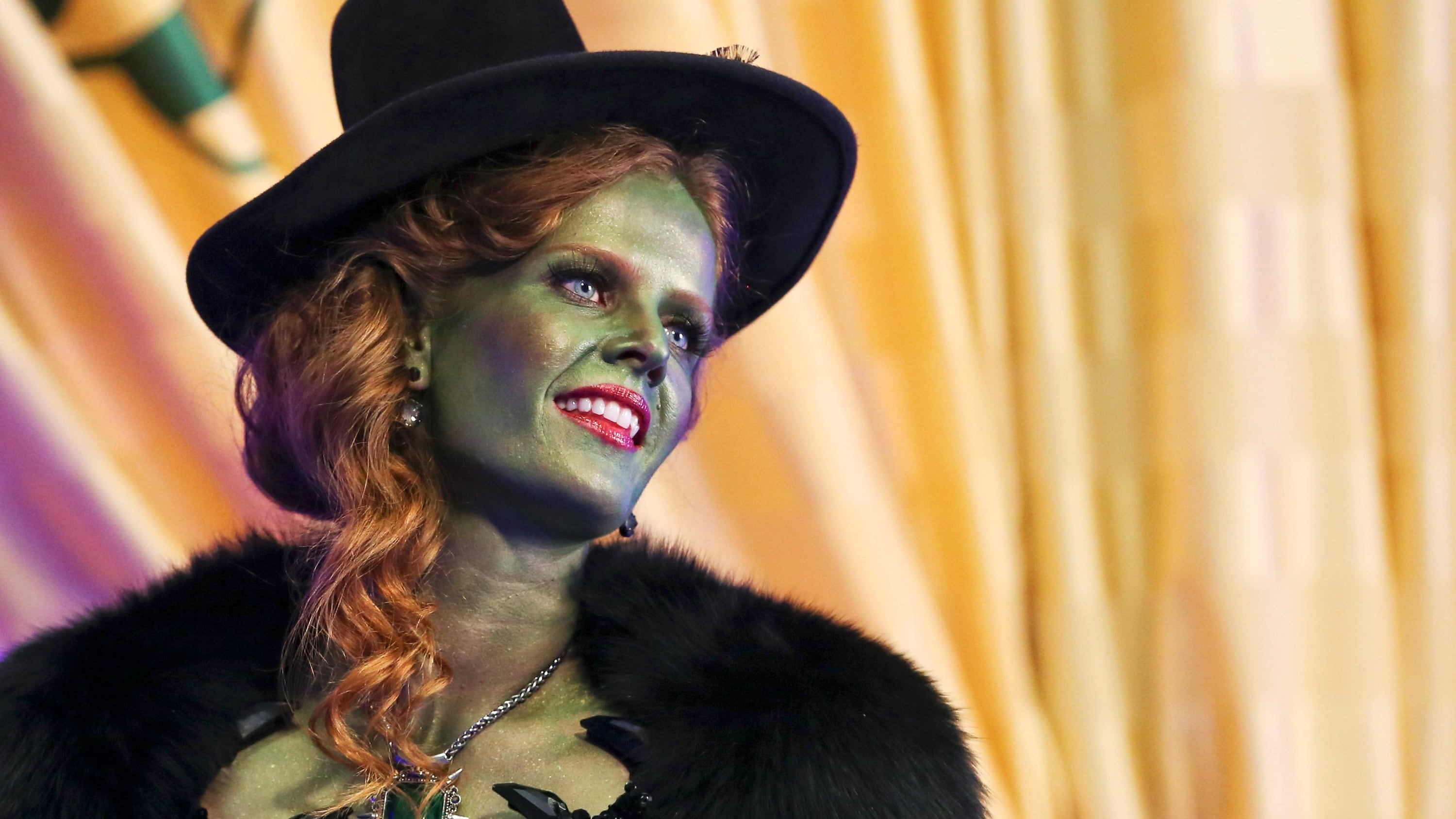 Once Upon a Time Season 5 :Episode 16  Our Decay