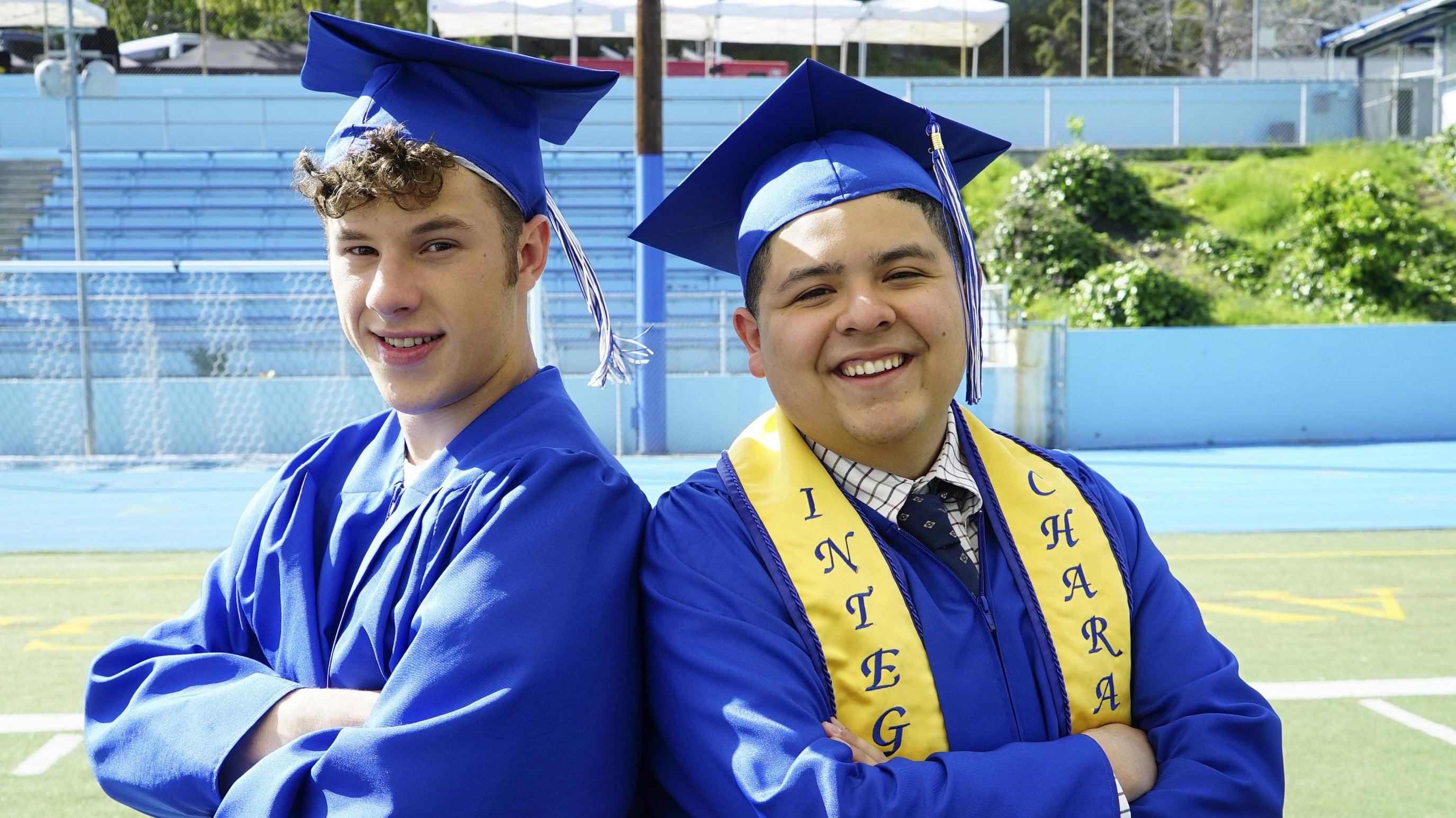 Modern Family Season 8 :Episode 22  The Graduates