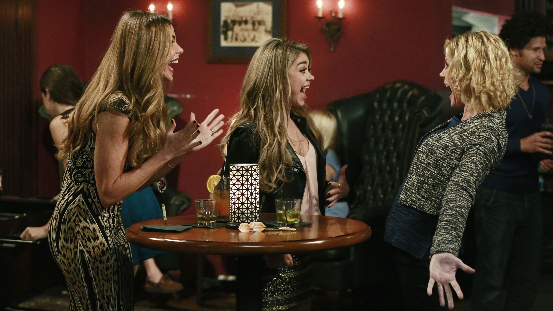 Modern Family Season 6 :Episode 10  Haley's 21st Birthday