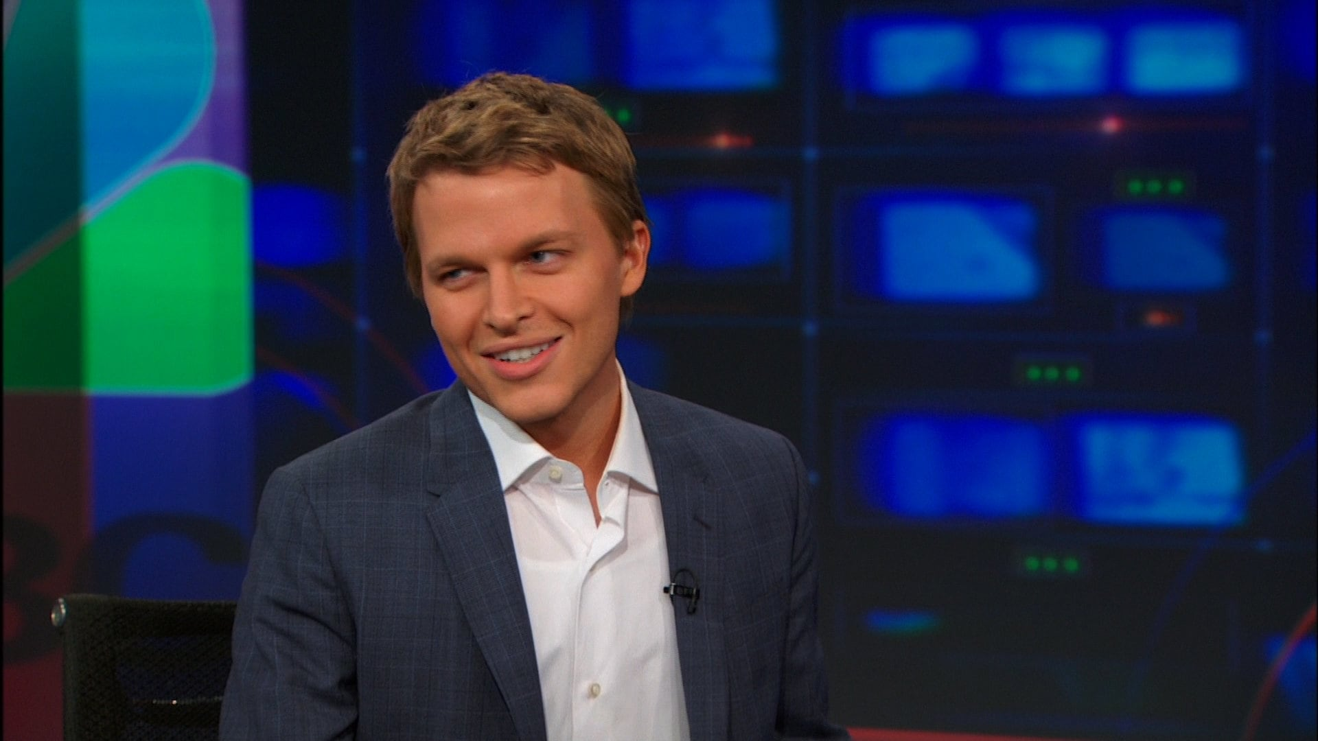 The Daily Show with Trevor Noah Season 19 :Episode 66  Ronan Farrow