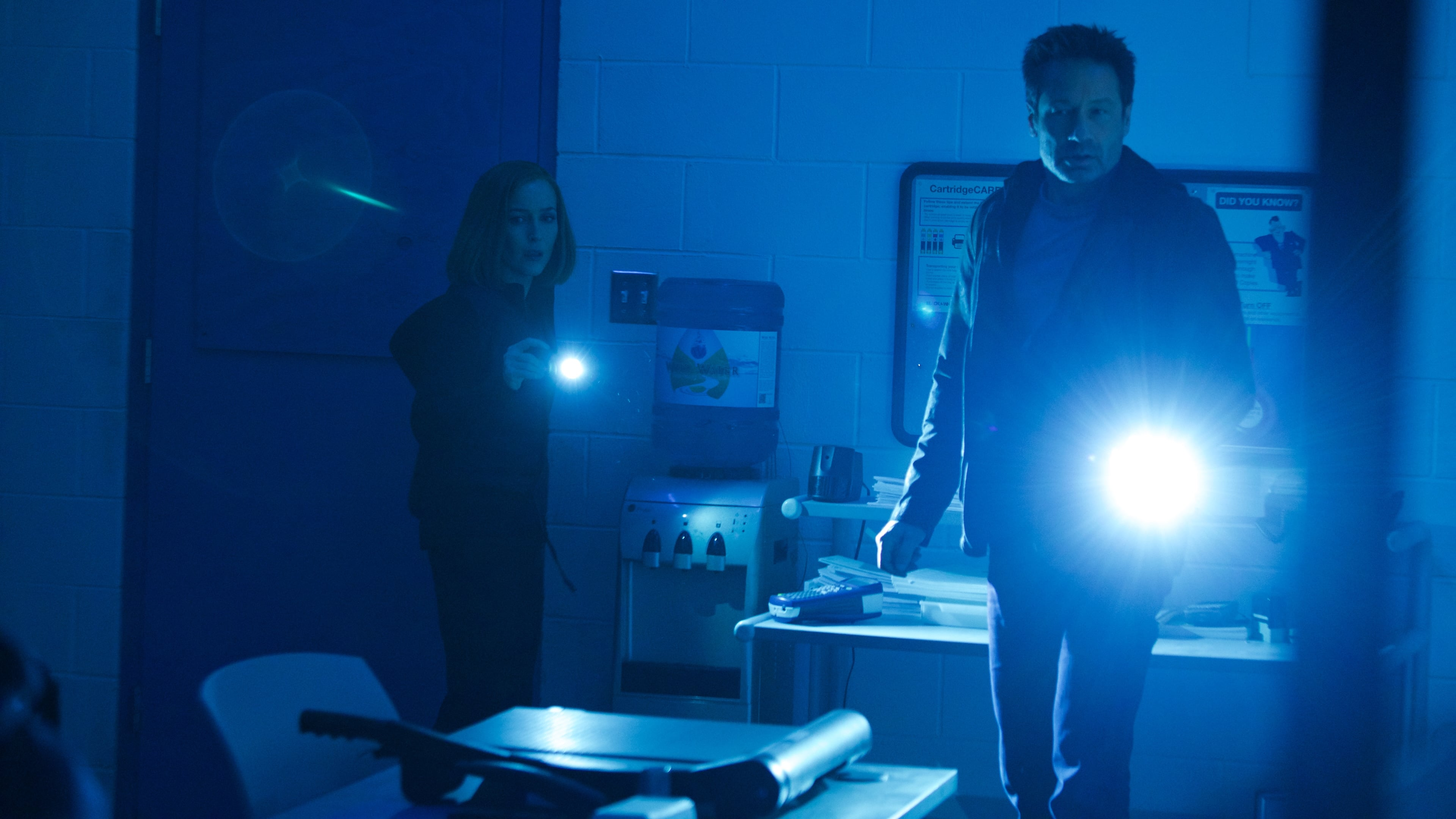 The X-Files Season 11 :Episode 7  Rm9sbG93ZXJz