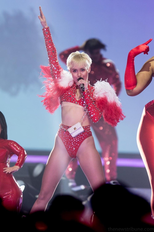 Miley Cyrus Bangerz Tour Imdb