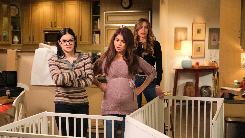 Modern Family Season 10 :Episode 17  The Wild