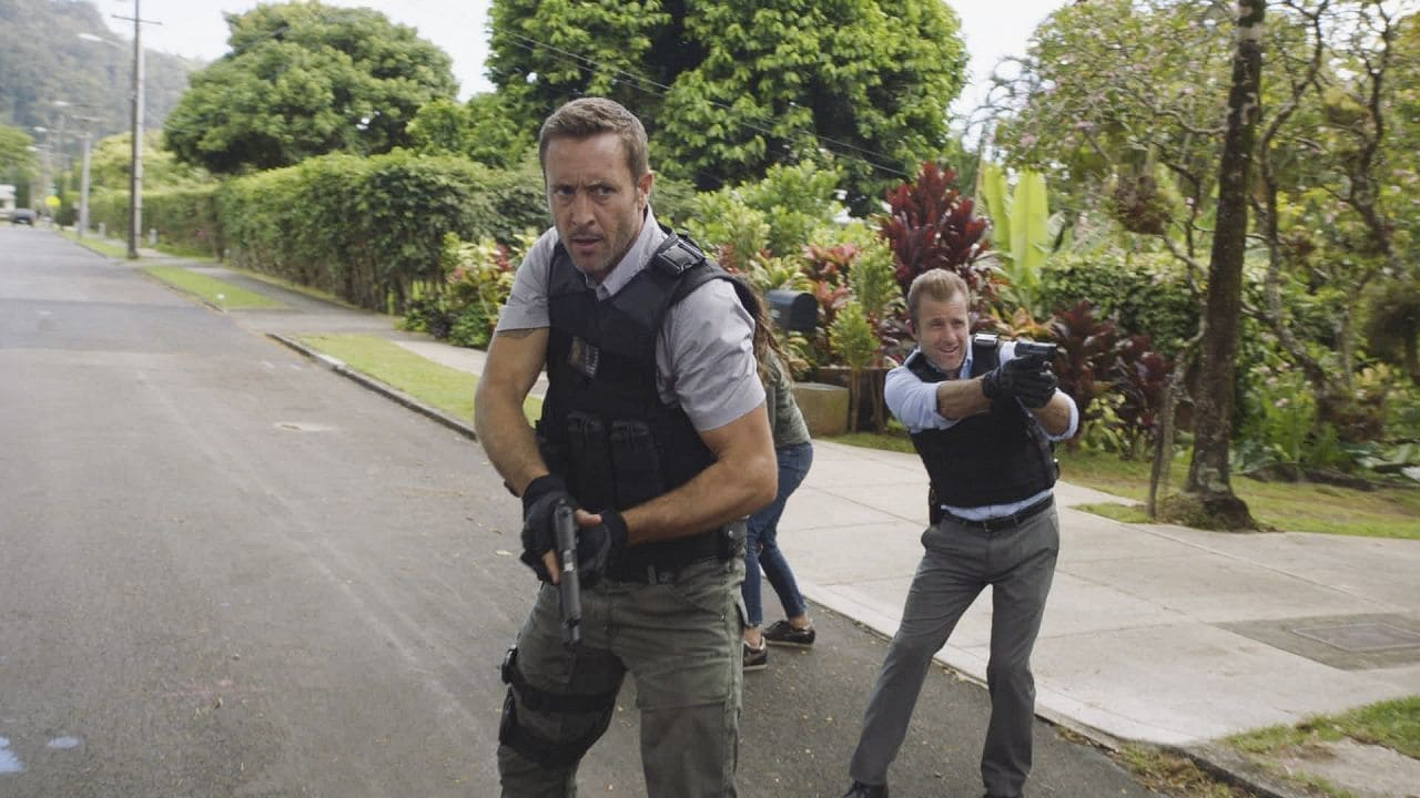 Hawaii Five-0 - Season 8 Episode 1 : A'ole e 'olelo mai ana ke ahi ua ana ia (Fire Will Never Say that It Has Had Enough)