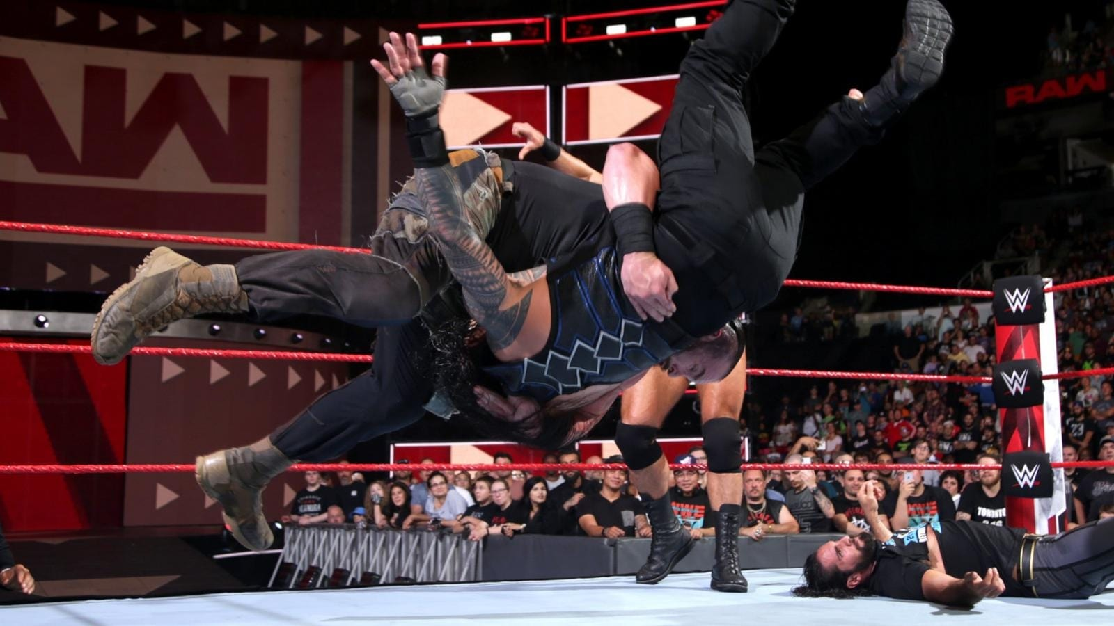 WWE Raw Season 26 :Episode 35  August 27, 2018 (Toronto, ON)