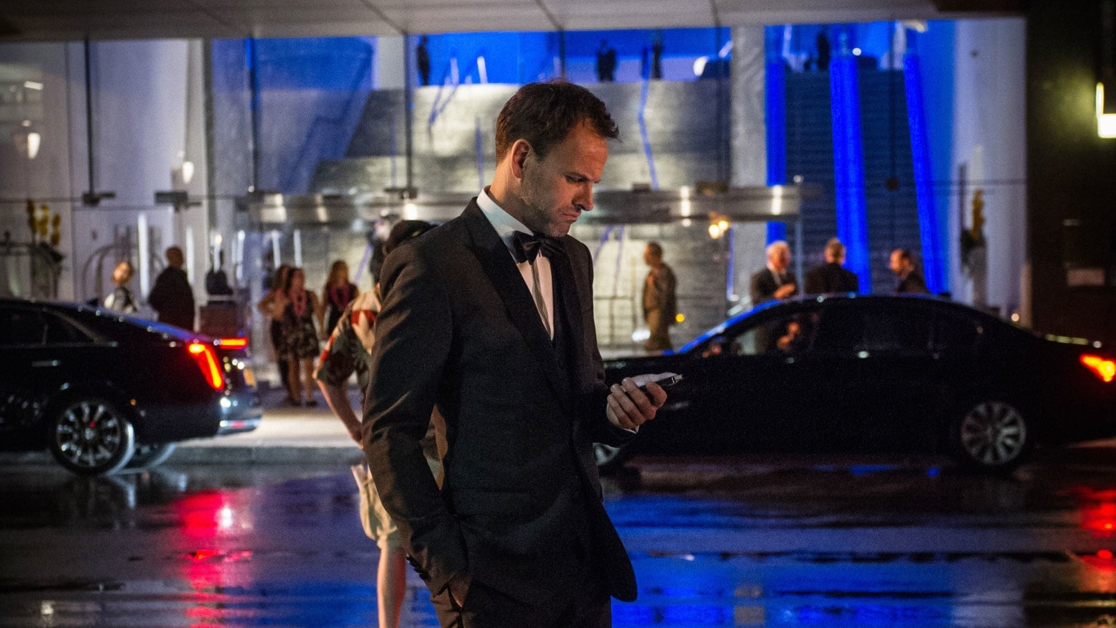 Elementary Season 4 :Episode 3  Tag, You're Me
