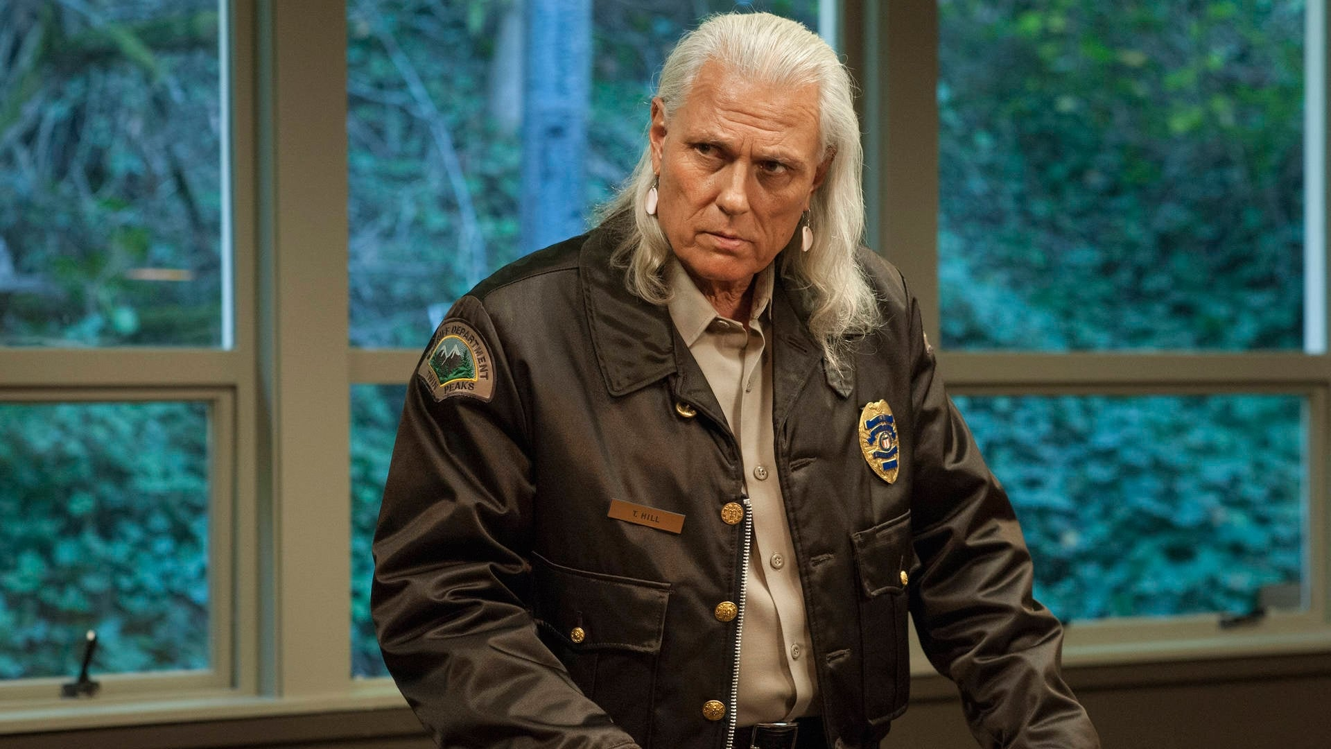 Twin Peaks Season 3 :Episode 1  Part 1: My Log Has a Message for You