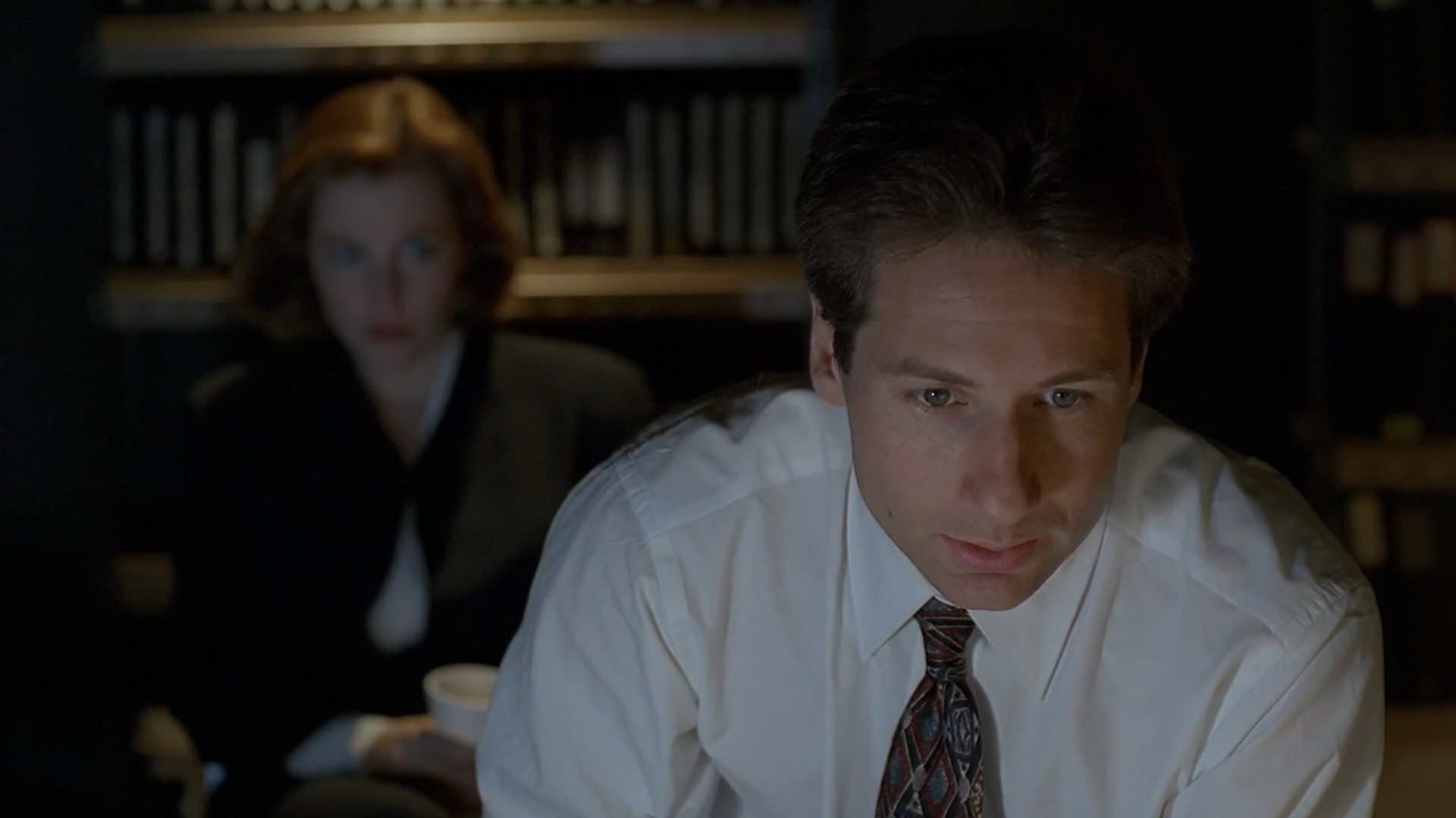 The X-Files Season 2 :Episode 23  Soft Light