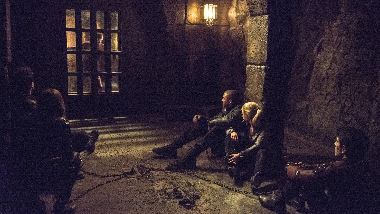 Arrow Season 3 :Episode 23  My Name Is Oliver Queen