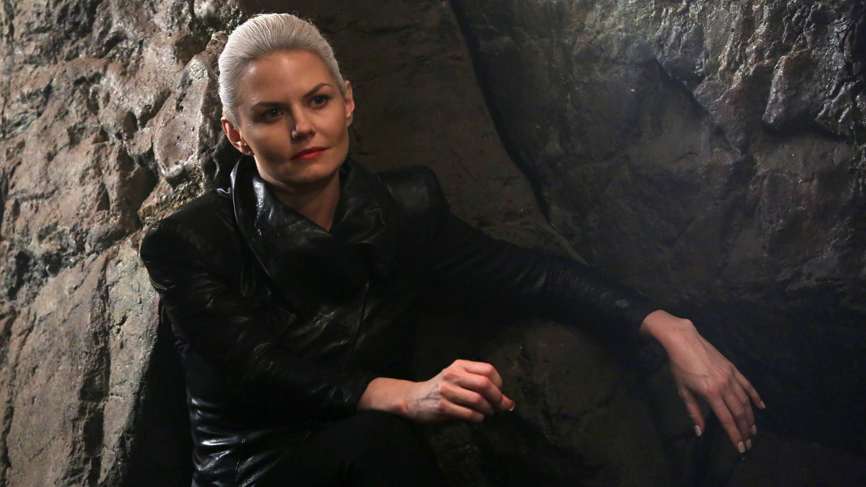 Once Upon a Time Season 5 :Episode 3  Siege Perilous