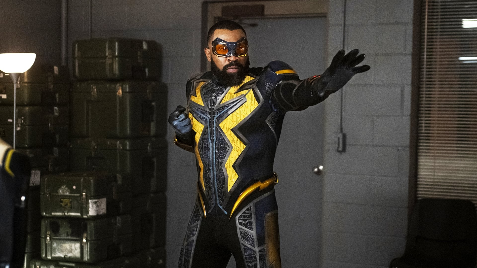 Black Lightning - Season 3 Episode 15 : The Book of War: Chapter Two: Freedom Ain't Free