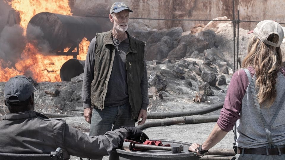 Fear the Walking Dead Season 5 :Episode 13  Leave What You Don't