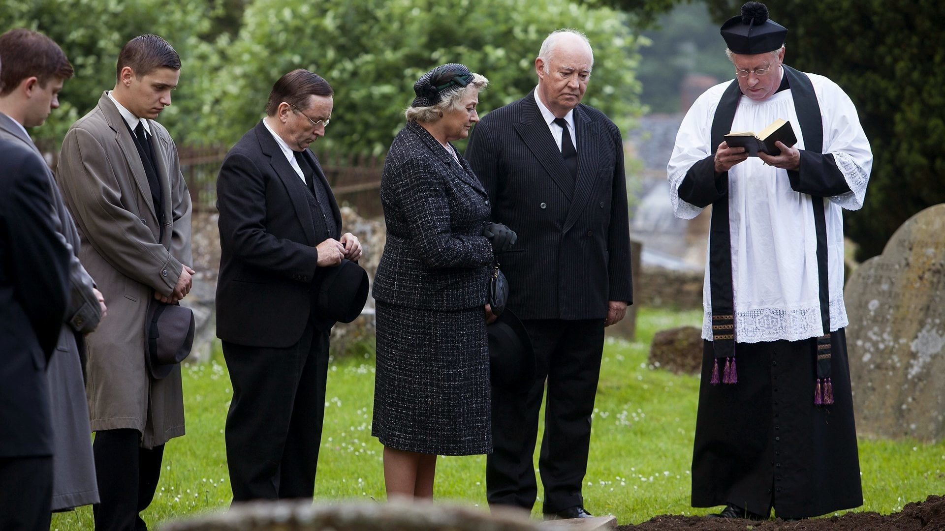 Father Brown Season 2 :Episode 7  The Three Tools of Death