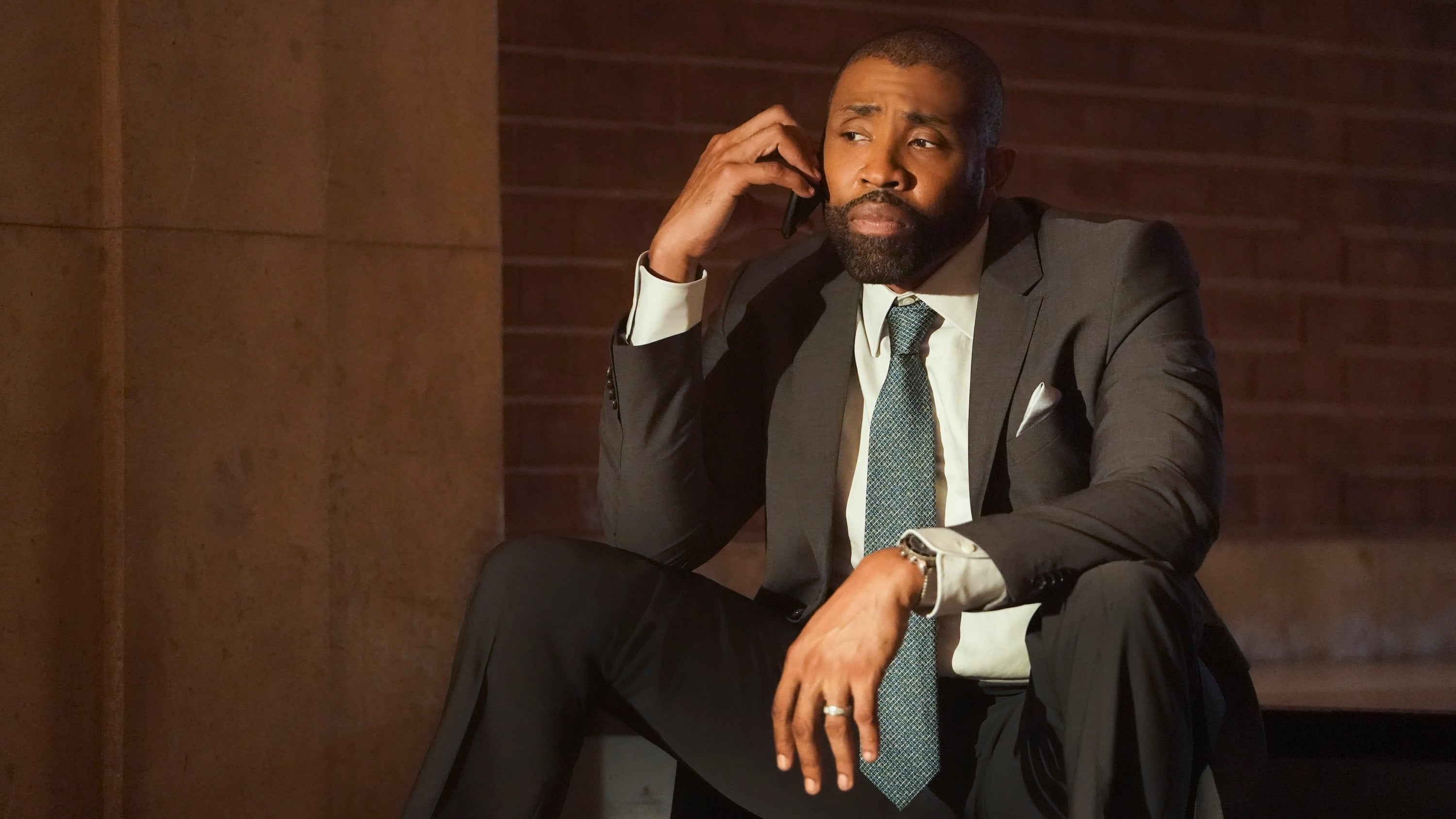 Black Lightning - Season 2 Episode 1 : The Book of Consequences: Chapter One: Rise of the Green Light Babies