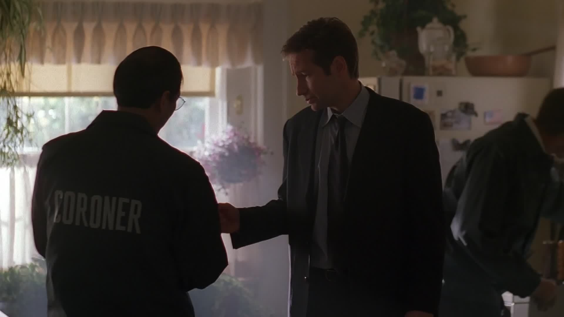 The X-Files Season 7 :Episode 10  Sein Und Zeit