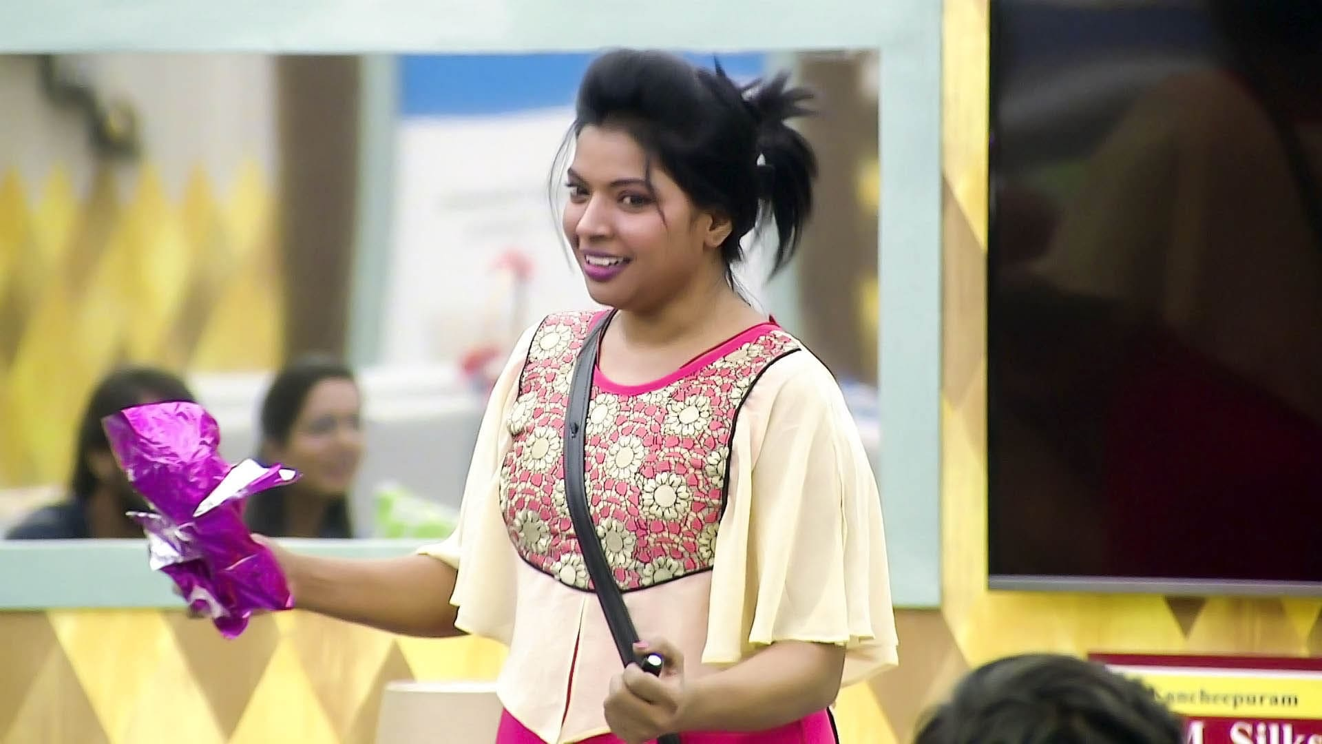 Bigg Boss Season 1 :Episode 55  Day 54: VJ Kajal In The House