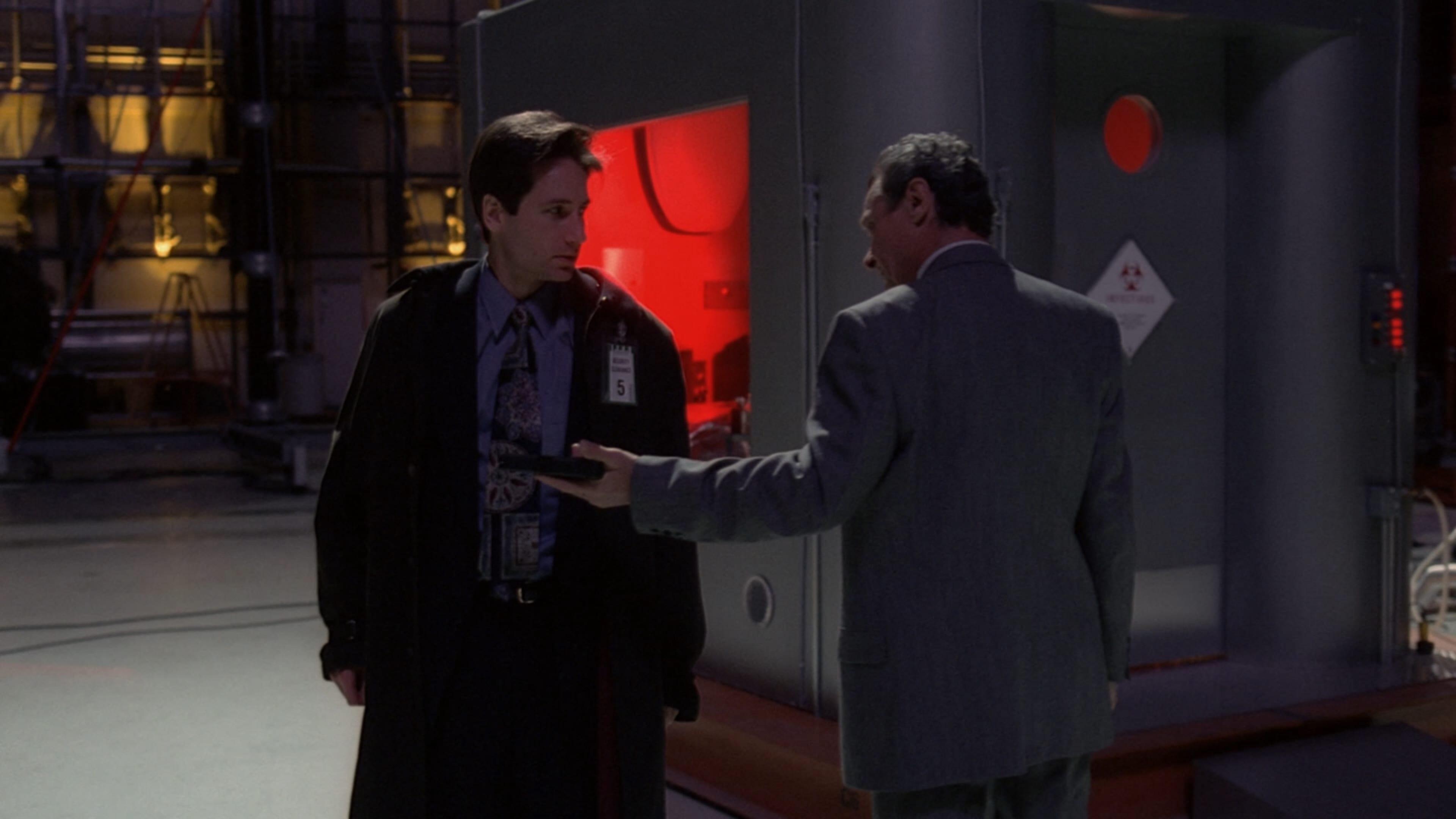 The X-Files Season 1 :Episode 17  E.B.E.