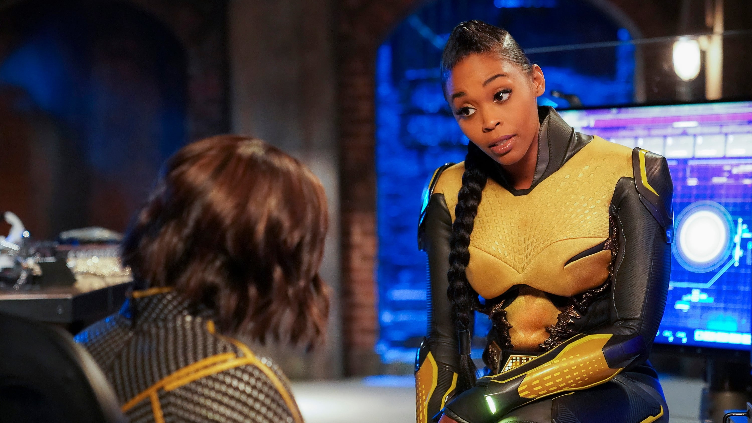 Black Lightning - Season 2 Episode 16 : The Book of the Apocalypse: Chapter Two: The Omega