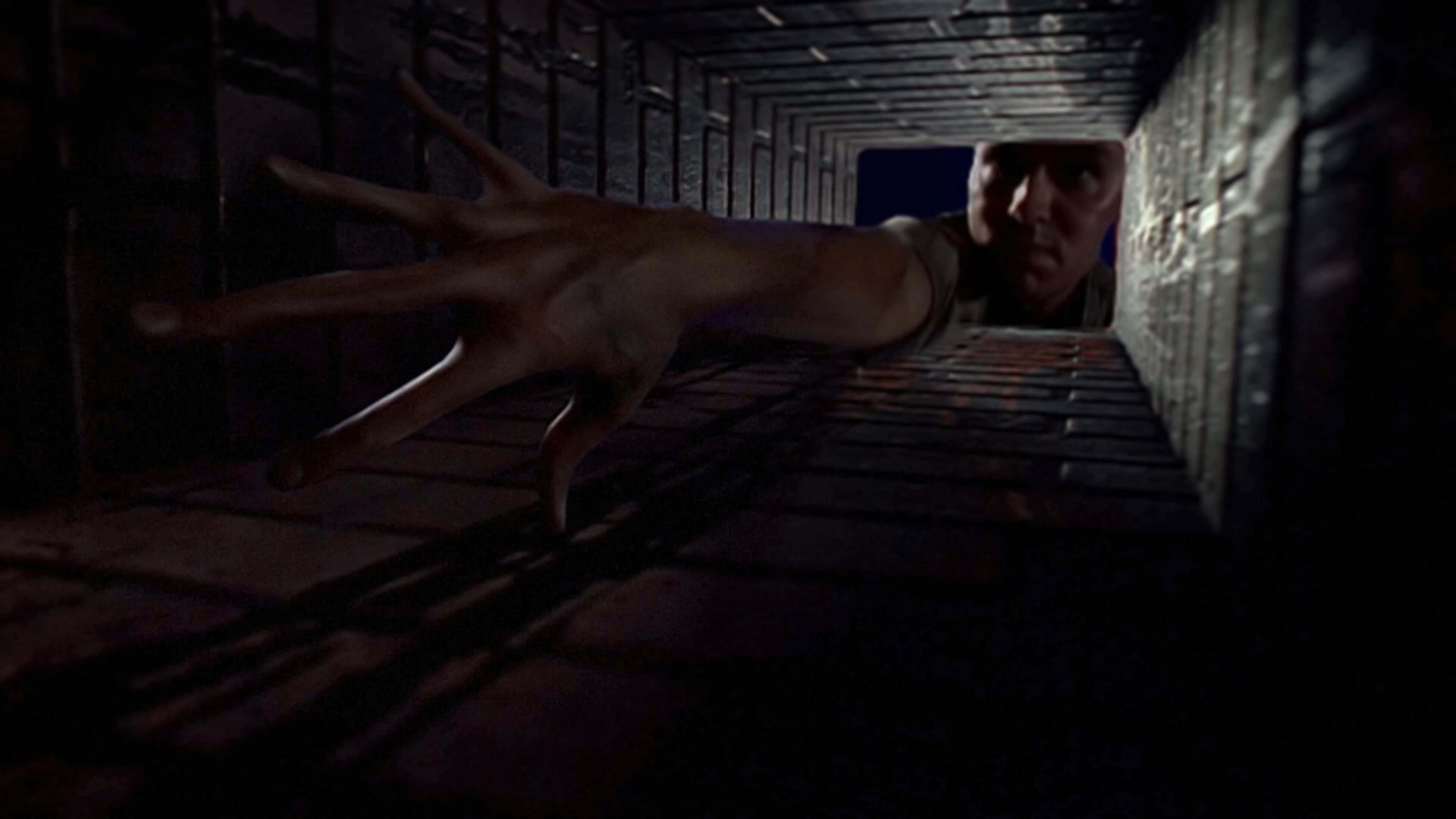 The X-Files Season 1 :Episode 3  Squeeze