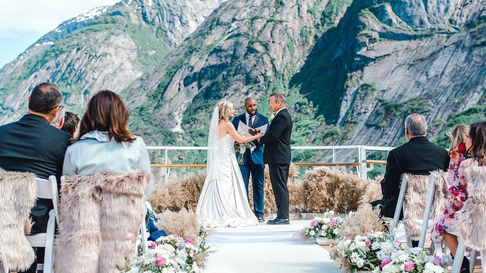 Disney's Fairy Tale Weddings - Season 2 Episode 5 : Made for Loving You