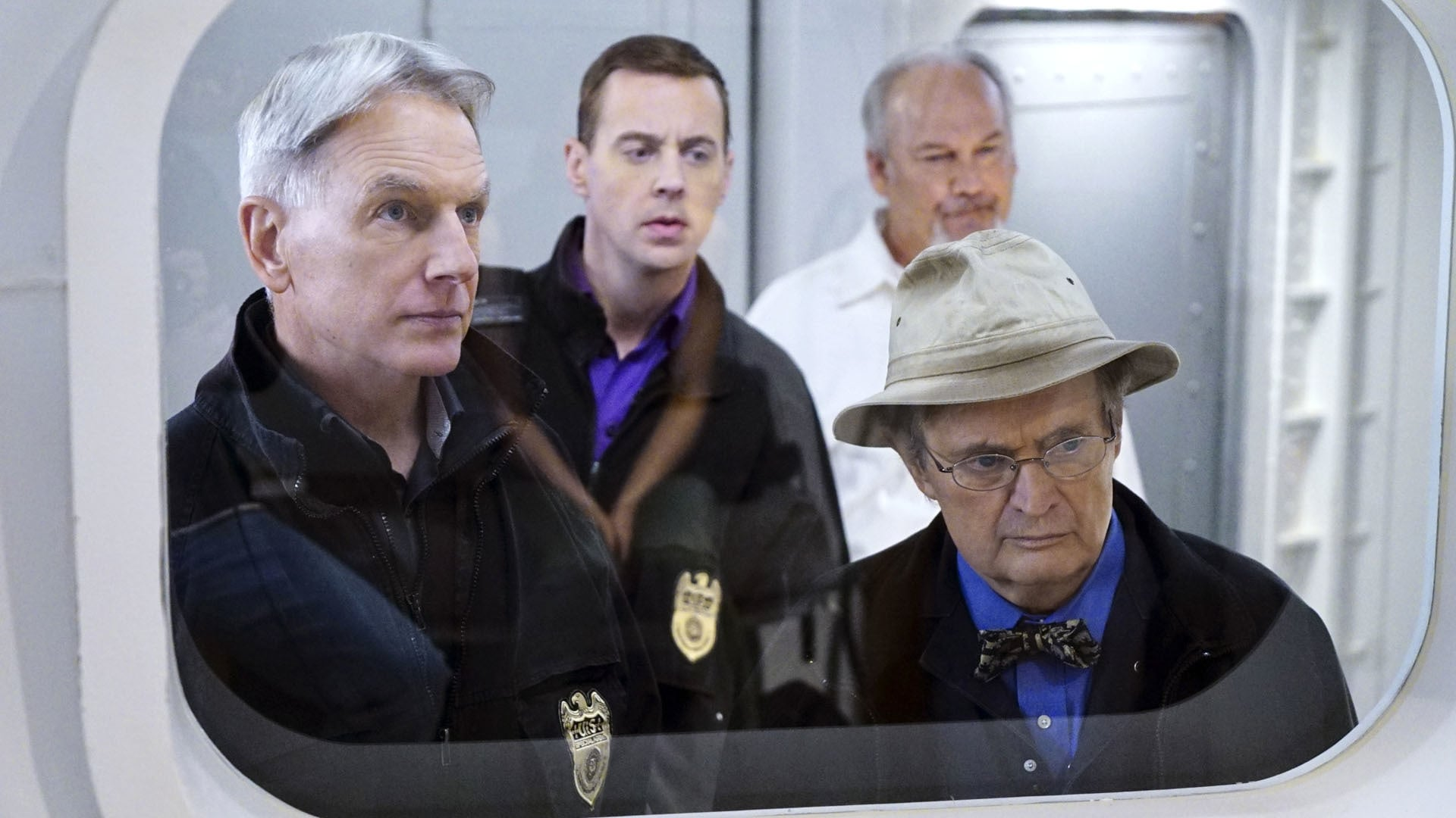 NCIS Season 13 :Episode 14  Decompressed