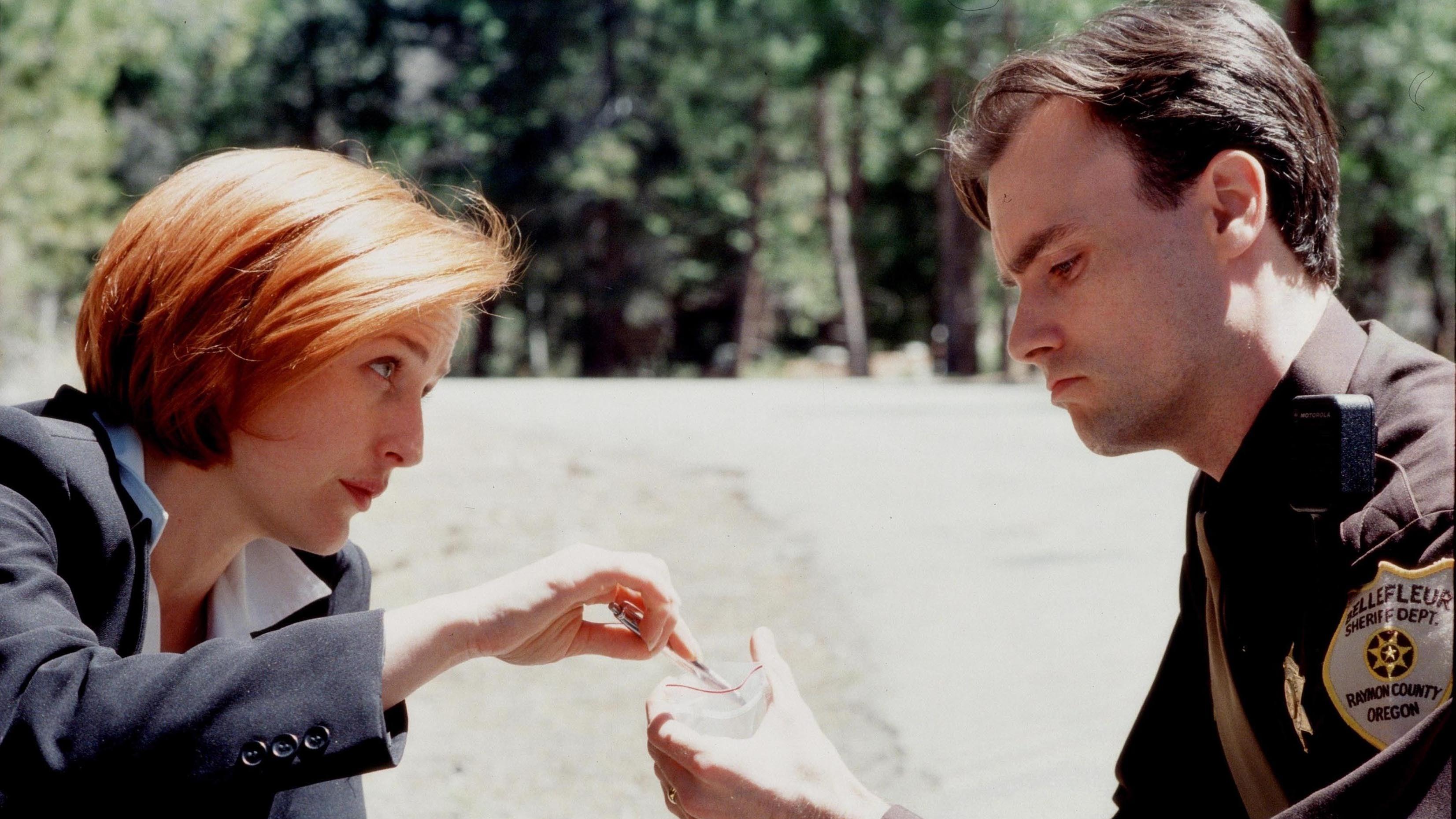 The X-Files Season 7 :Episode 22  Requiem