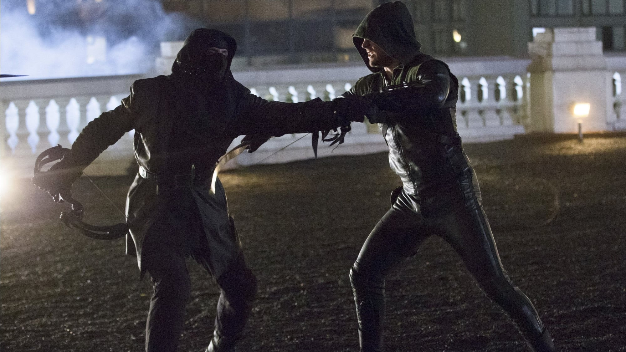 Arrow - Season 1 Episode 23 : Sacrifice