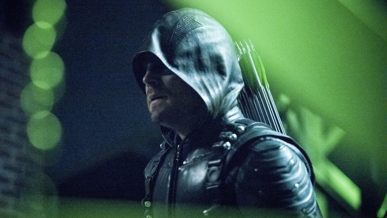 Arrow - Season 6 Episode 1 : Fallout