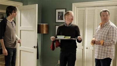 Modern Family - Season 4 Episode 15 : Heart Broken