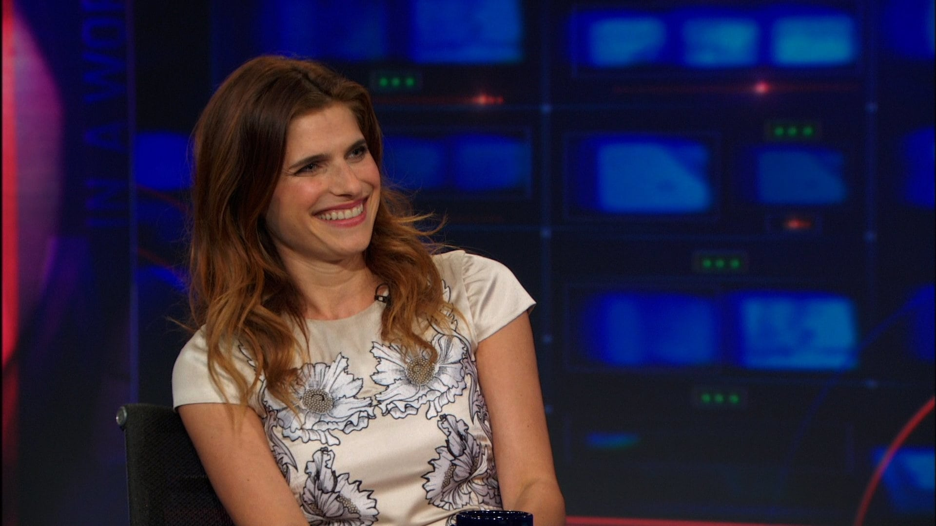The Daily Show with Trevor Noah Season 18 :Episode 139  Lake Bell