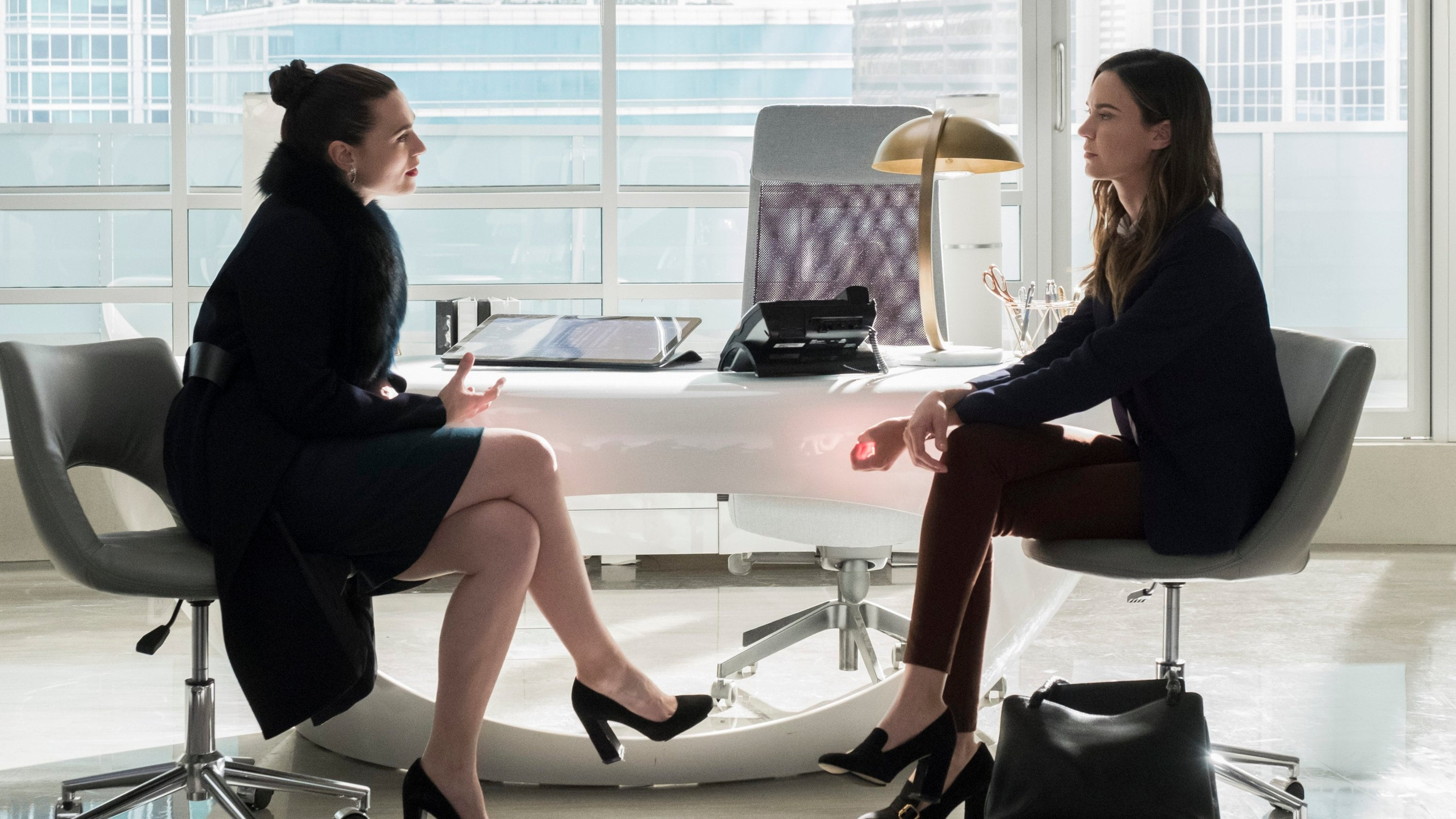 Supergirl Season 3 :Episode 13  Both Sides Now