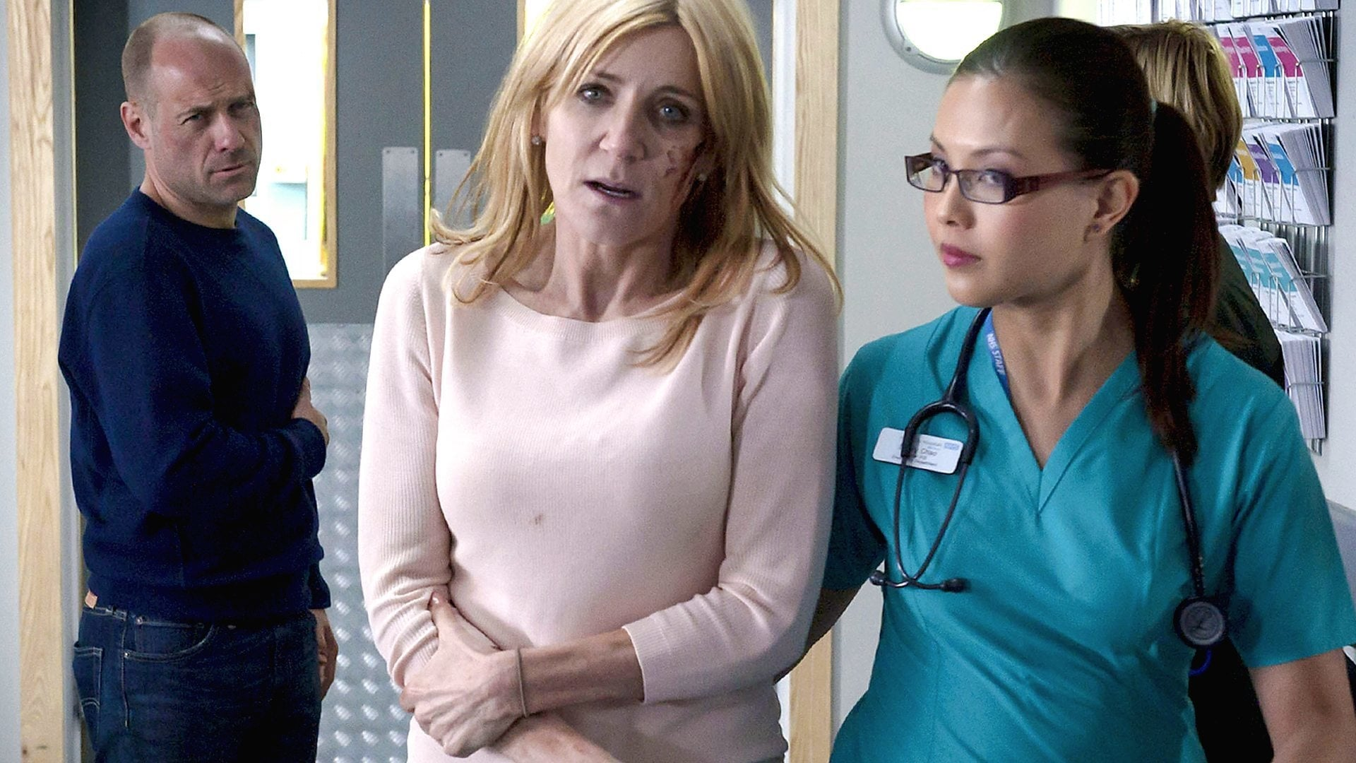 Casualty - Season 29 Episode 1 : Learning to Fly