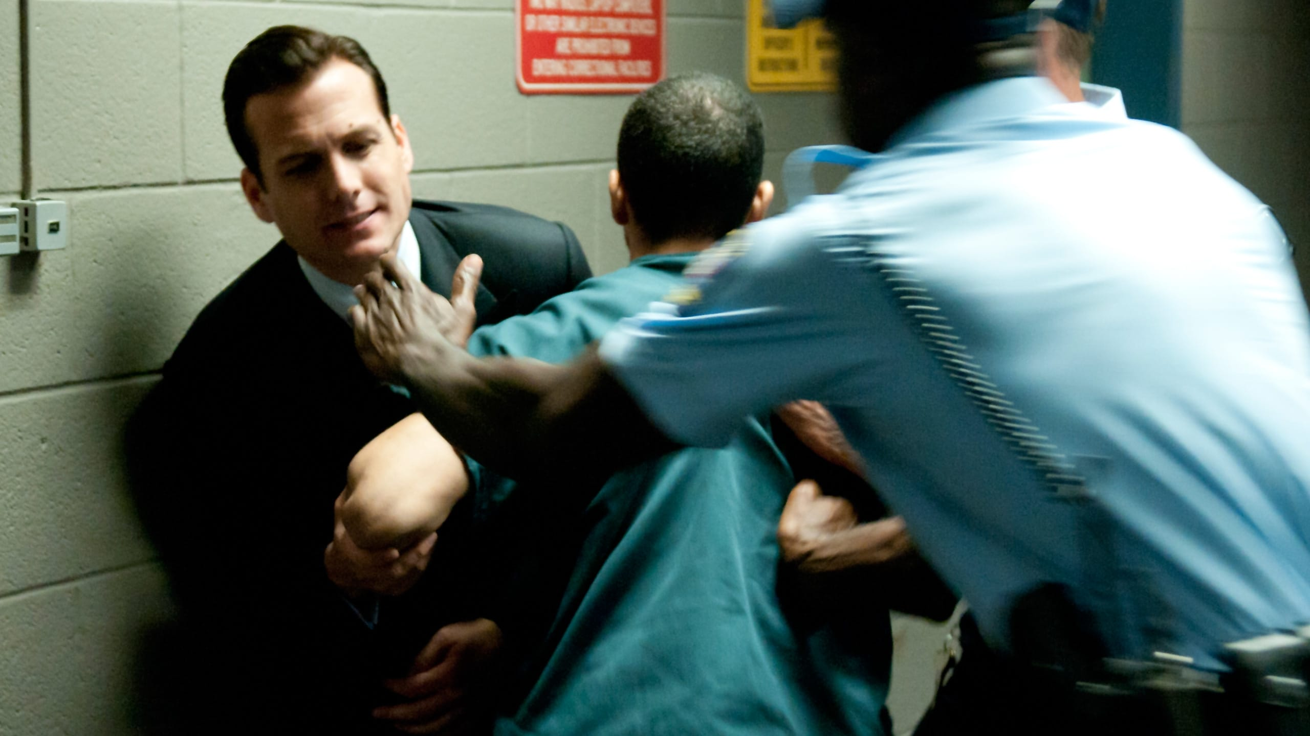 Suits - Season 1 Episode 12 : Dog Fight