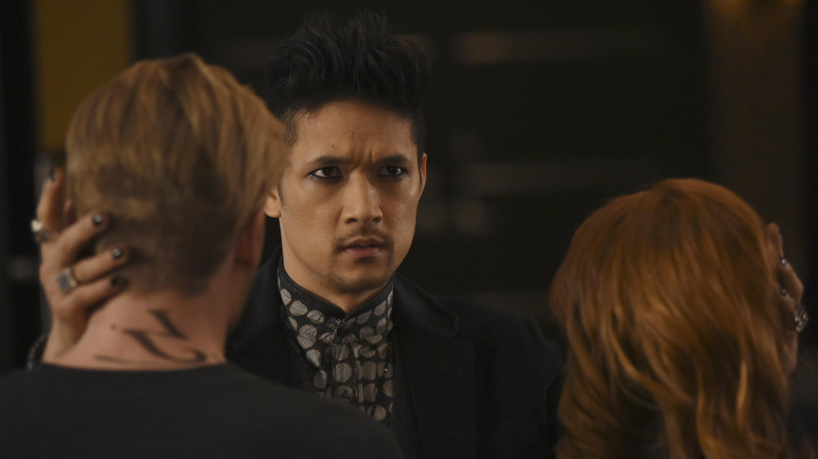 Shadowhunters - Season 2 Episode 10 : By the Light of Dawn