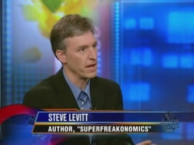 The Daily Show with Trevor Noah Season 14 :Episode 136  Tue, Oct 27, 2009