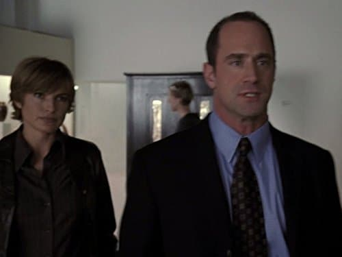 Law & Order: Special Victims Unit - Season 5 Episode 9 : Control