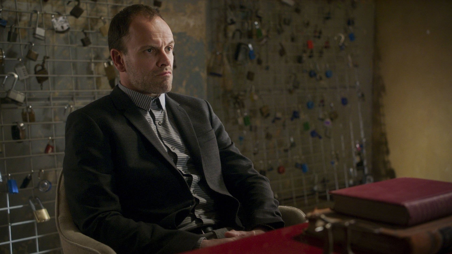 Elementary - Season 5 Episode 24 : Hurt Me, Hurt You