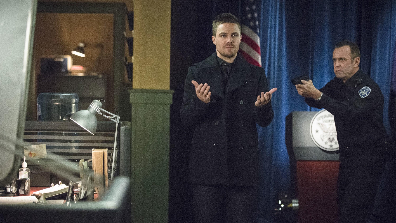 Arrow Season 3 :Episode 18  Public Enemy