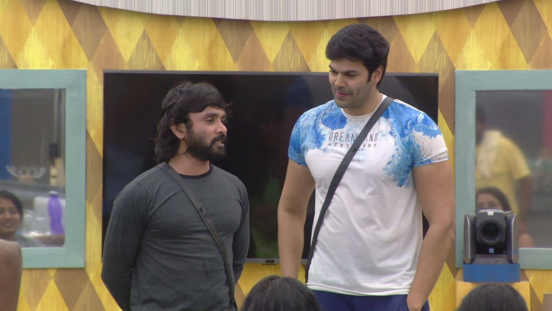 Bigg Boss Season 1 :Episode 2  Day 1: Who's The House Leader