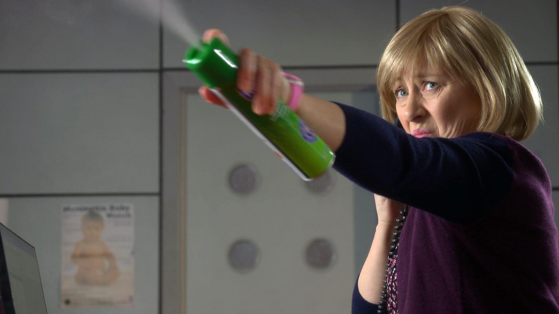 Doctors Season 18 :Episode 33  Lady De Vere's Desire