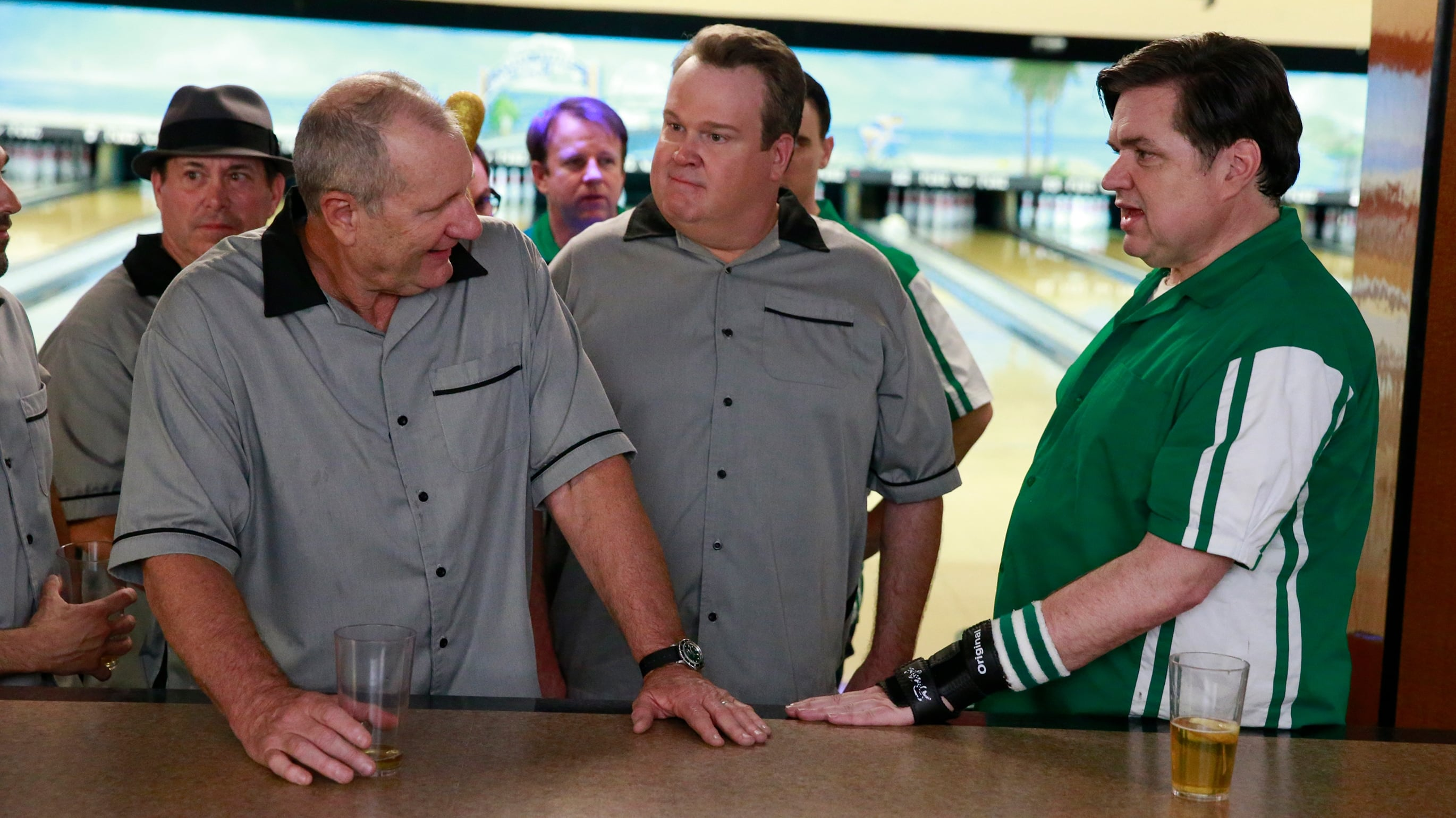 Modern Family Season 6 :Episode 20  Knock 'Em Down