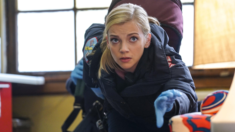 Chicago Fire Season 4 :Episode 13  Unter Beschuss
