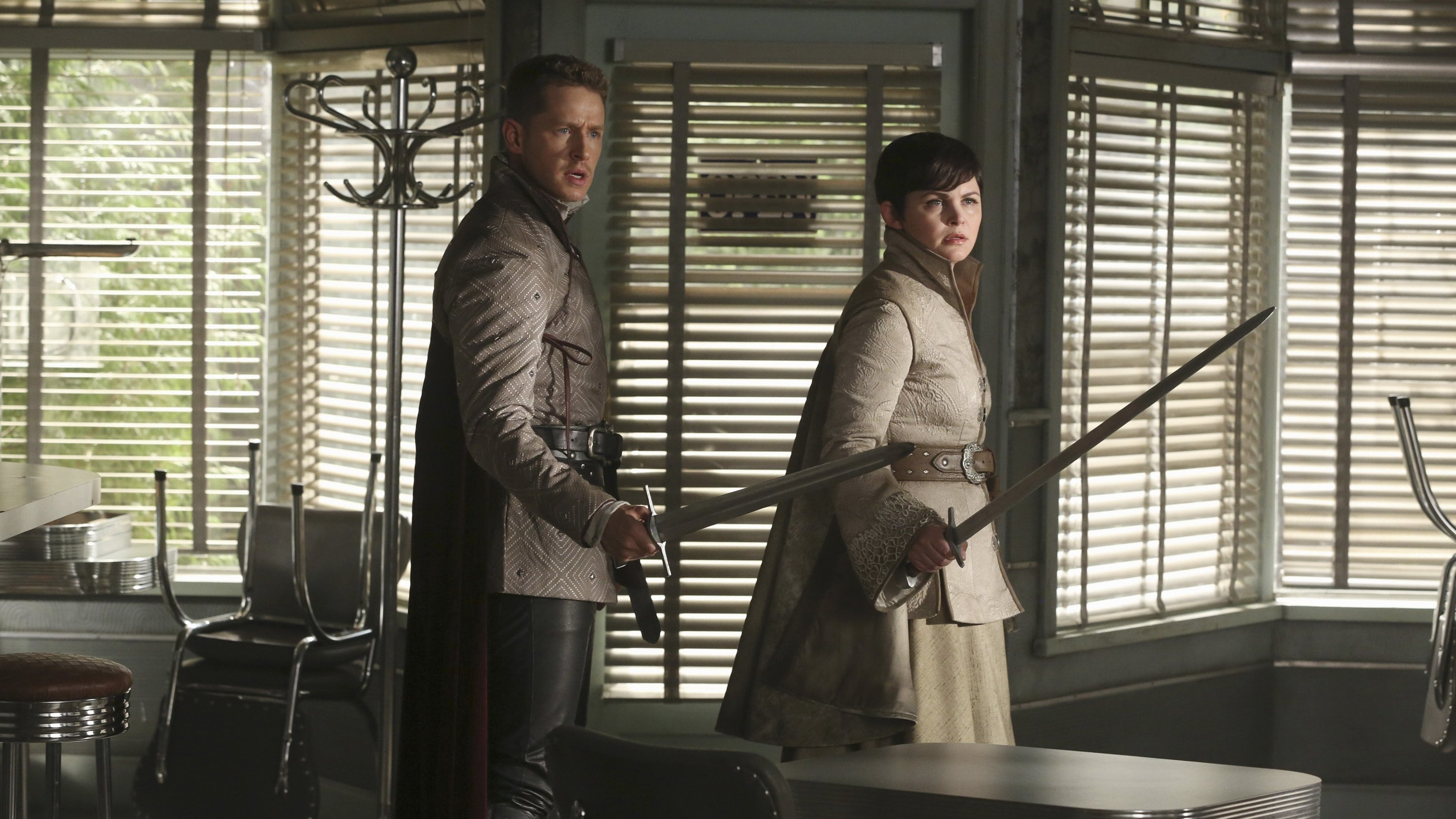 Once Upon a Time Season 5 :Episode 4  The Broken Kingdom