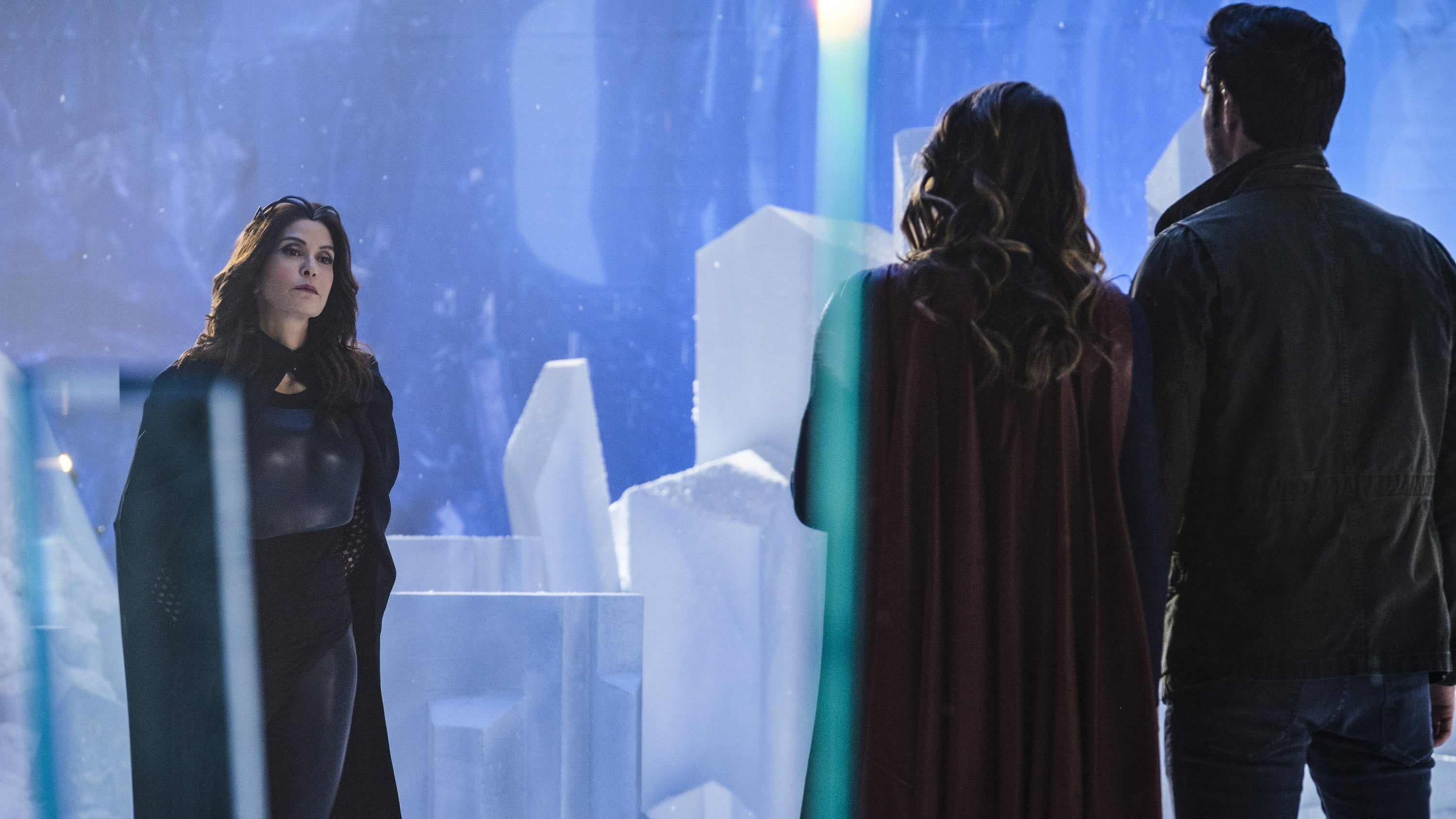 Supergirl Season 2 :Episode 17  Distant Sun